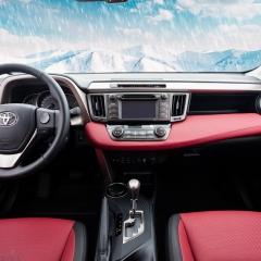 Toyota RAV4 Bordo